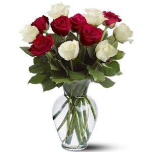 Kwiaty- Bukiet 13 róż w bieli i czerwieni