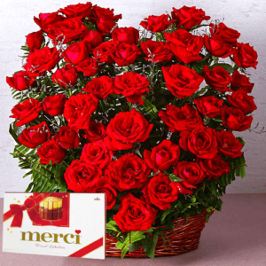 Kosze kwiatowe- Kosz 50 róż+ merci