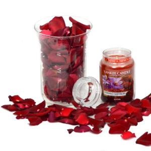 Płatki róż i Świeczka Zapachowa Yankee