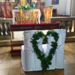 Zdjęcie- kościół- leśny weselny klimat