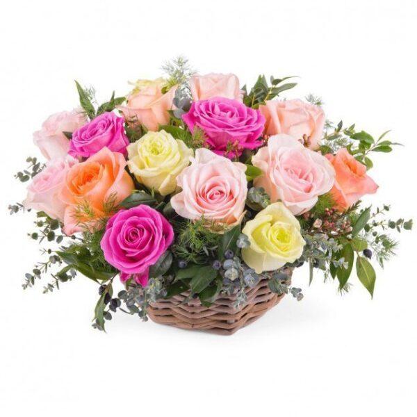 Kosze kwiatowe- różana bajka