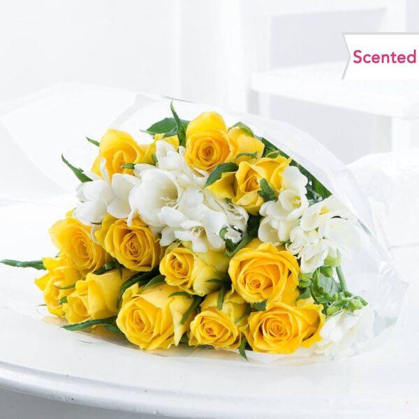 Kwiaty- Wiosenne róże i frezja