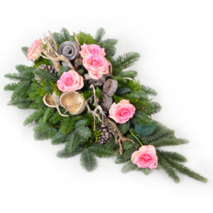 Stroik z żywych kwiatów w kolorze różu
